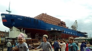 [Video] Nga hạ thủy tàu phá băng hạt nhân lớn nhất thế giới