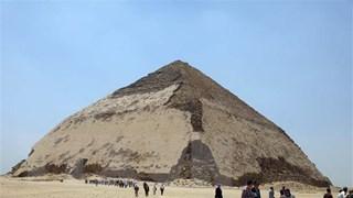 [Video] Ai Cập: Du khách được phép tham quan hai kim tự tháp cổ