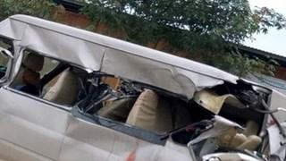 Bắc Giang: Xe khách va chạm với xe tải, ba người thương vong