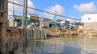 Cần Thơ: Hàng trăm điểm sạt lở bờ sông, đe dọa xóa sổ nhiều khu dân cư
