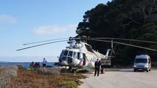 Dân Pháp chen chân xem trực thăng của ông Putin hạ cánh