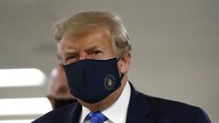[Video] Ông Trump lần đầu đeo khẩu trang xuất hiện trước công chúng