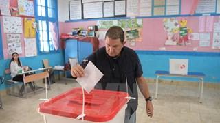 Bầu cử tổng thống Tunisia: Rất ít cử tri trẻ tuổi đi bỏ phiếu