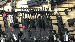 Kinh tế Mỹ thiệt hại hàng trăm tỷ USD mỗi năm do bạo lực súng đạn