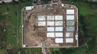 Toàn cảnh bệnh viện dã chiến đang được xây dựng tại Hà Nội