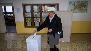 Cử tri Slovakia bắt đầu đi bỏ phiếu bầu cử tổng thống vòng 2