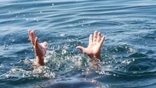 [Video] Rủ nhau xuống đập tắm, 3 cháu nhỏ đuối nước tử vong