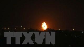 Sửng sốt cảnh rocket bay như mưa sao băng từ đất Palestine vào Israel