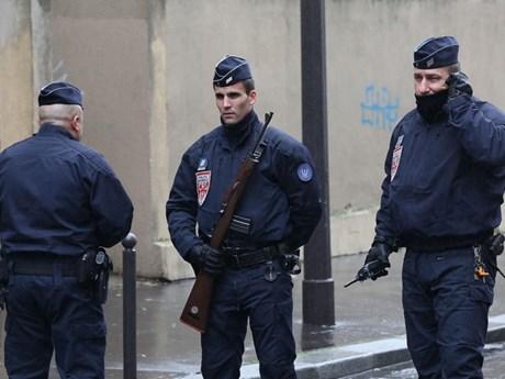 Cảnh sát Pháp bắt giữ 5 người Việt tìm cách vượt biên sang Anh