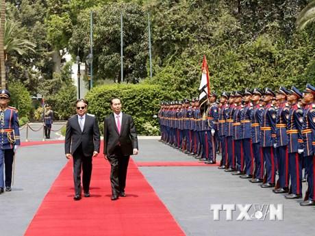 [Photo] Lễ đón chính thức Chủ tịch nước Trần Đại Quang tại Ai Cập