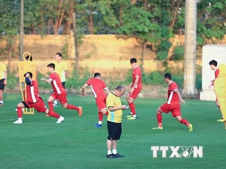 Hình ảnh tuyển Việt Nam tập luyện trước trận đấu với Malaysia