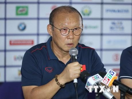HLV Park Hang-seo dành sự tôn trọng đặc biệt cho U22 Campuchia   Bóng đá   Vietnam+ (VietnamPlus)