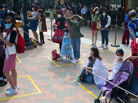 Disneyland Thượng Hải đón khách trở lại, vé hết ngay sau khi mở bán | Điểm đến | Vietnam+ (VietnamPlus)