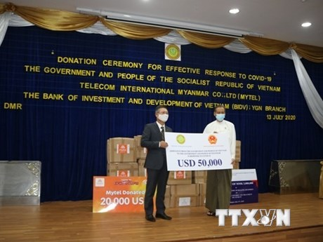 Việt Nam hỗ trợ Myanmar phòng chống đại dịch COVID-19 | Người Việt bốn phương | Vietnam+ (VietnamPlus)