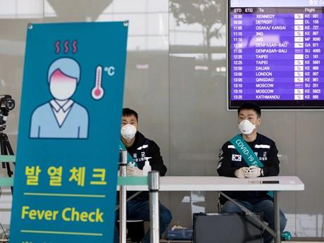 Hàn Quốc tiếp tục đối mặt với làn sóng COVID-19 ''nhập khẩu''