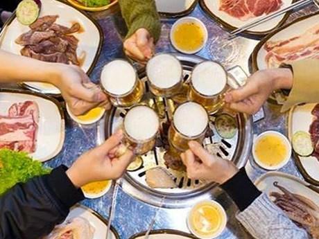 [Audio] Ép buộc người khác uống rượu bia sẽ bị phạt hàng triệu đồng