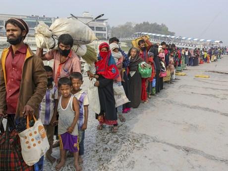 Ấn Độ phát hiện thuyền chở 90 người tị nạn Rohingya trôi dạt trên biển