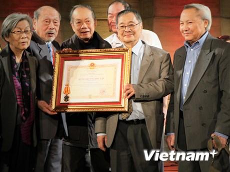 Việt kiều tại Pháp tin tưởng Việt Nam tiếp tục vững bước phát triển