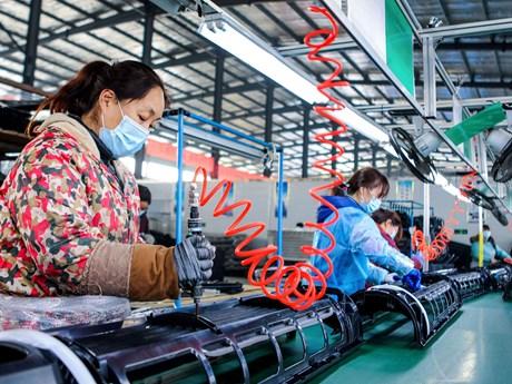 Trung Quốc sau đại dịch: Sản xuất phục hồi nhưng với...