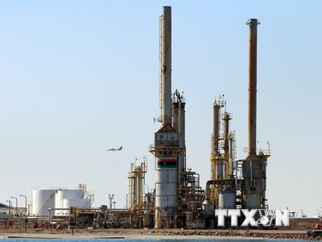 Sản lượng tăng cùng nhu cầu thấp, giá dầu châu Á đi xuống sáng 21/9