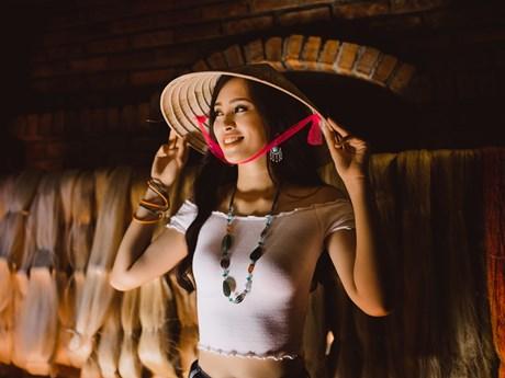 Miss World 2018: Cùng Tiểu Vy chọn quà đặc biệt tặng các 'đối thủ'