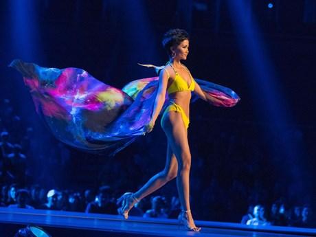 Toàn cảnh hình ảnh ấn tượng của H'Hen Niê tại chung kết Miss Universe