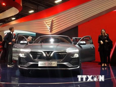 Chiêm ngưỡng hai mẫu xe Vinfast được giới thiệu tại Pháp