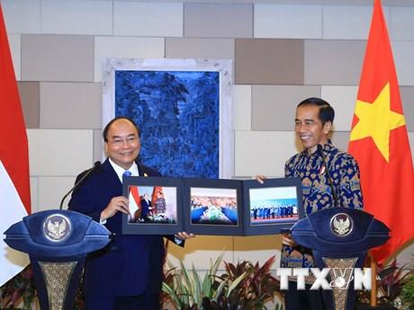 Hình ảnh Thủ tướng Nguyễn Xuân Phúc hội đàm với Tổng thống Indonesia