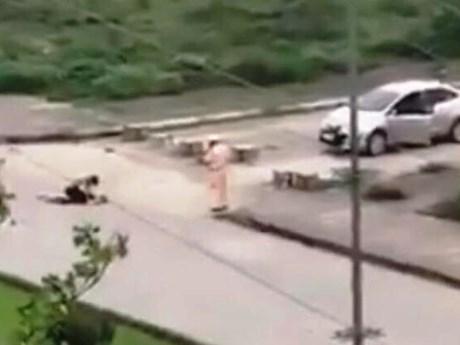 Giáng cấp đối với cảnh sát giao thông 'đứng nhìn' cô gái bị đâm chết | Pháp luật | Vietnam+ (VietnamPlus)