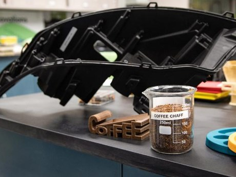 Ford kết hợp với McDonald's tái chế càphê thành linh kiện ôtô | Ôtô-Xe máy | Vietnam+ (VietnamPlus)