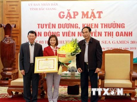 Bắc Giang vinh danh Nguyễn Thị Oanh - người đoạt 3 HCV SEA Games 30