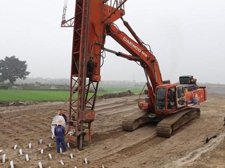 Triển khai Nghị quyết chuyển đổi phương thức đầu tư 3 dự án giao thông | Giao thông | Vietnam+ (VietnamPlus)