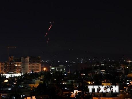 Israel tiến hành không kích các mục tiêu quân sự của Syria