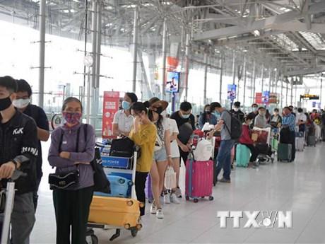 Đưa gần 280 công dân Việt Nam từ Pháp, Maroc và Chile về nước