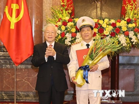 Thăng cấp bậc hàm Thượng tướng cho Thứ trưởng Công an Nguyễn Văn Sơn
