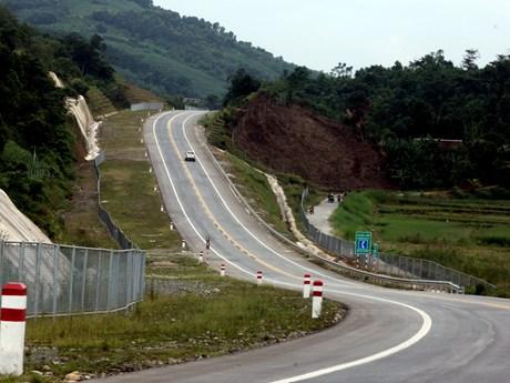 Phạt nguội gần 600 phương tiện vi phạm trên cao tốc Nội Bài-Lào Cai