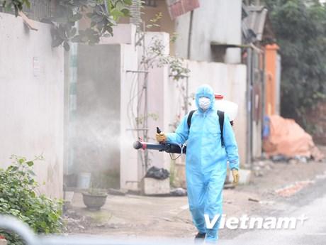 Cách ly 28 nhân viên y tế của Bệnh viện Thận Hà Nội liên quan BN 254