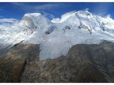 Nghiên cứu biến đổi khí hậu qua lõi băng ngàn năm tại Peru