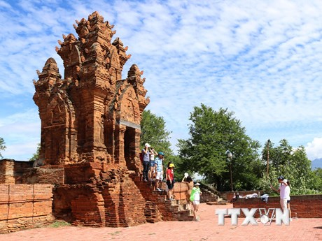 Di tích tháp Po Klong Garai - điểm đến hấp hẫn của Ninh Thuận