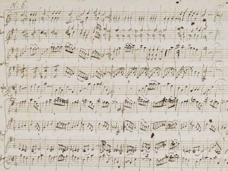 Bán đấu giá bản nhạc viết tay hồi trẻ của thiên tài soạn nhạc Mozart | Âm nhạc | Vietnam+ (VietnamPlus)