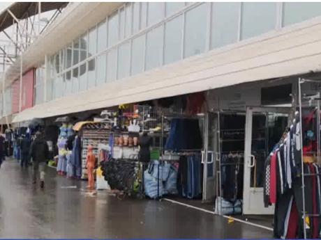 [Video] Người Việt tại Nga lo lắng khi chợ ở thủ đô Moskva mở cửa