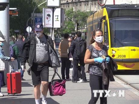 Nguy cơ dịch bùng phát lại, các nước Đông Âu ra hạn chế mới | Sức khỏe | Vietnam+ (VietnamPlus)