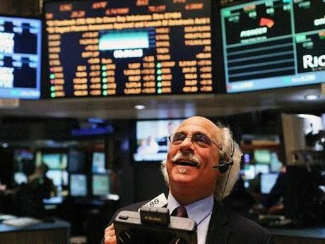 Phố Wall tiếp tục đi lên, S&P 500 và Nasdaq Composite lập kỷ lục mới