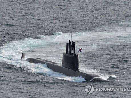 Hàn Quốc phát triển tàu ngầm đầu tiên được trang bị...