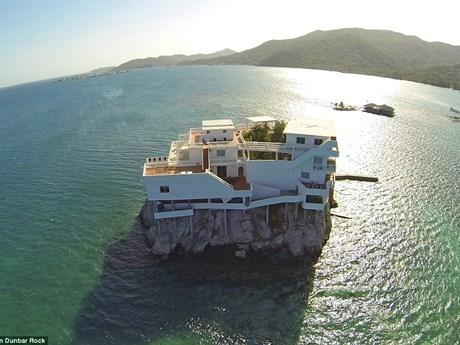"""[Photo] Cận cảnh """"khách sạn thiên đường"""" nằm giữa đại dương"""