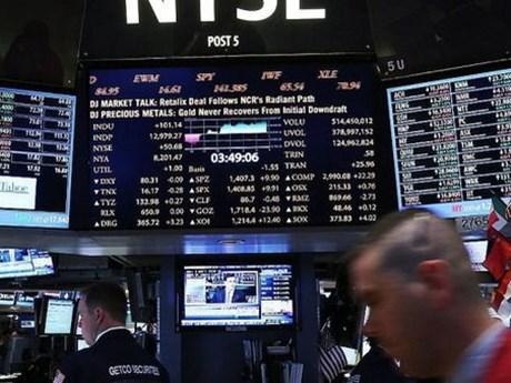 Chứng khoán thế giới tăng điểm - Giá dầu mỏ tăng, vàng đi xuống
