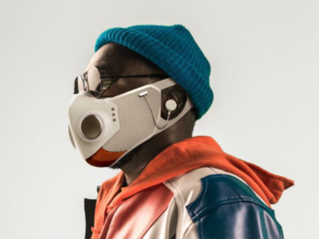 Rapper nổi tiếng Will.i.am ra mắt khẩu trang công nghệ cao giá 299 USD