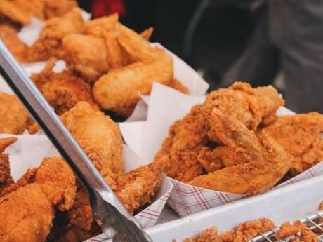 Sinh viên lãnh án tù vì dùng mưu ăn KFC miễn phí suốt 6 tháng