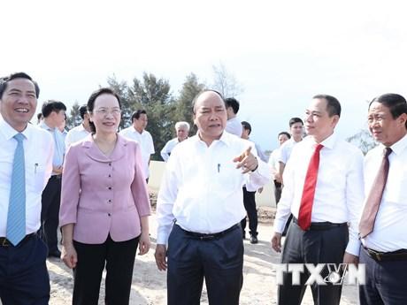 Hình ảnh Thủ tướng Nguyễn Xuân Phúc thăm nhà máy ôtô Vinfast