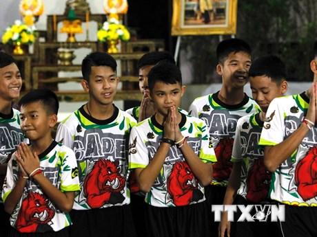 Thái Lan cấp quốc tịch cho 4 thành viên đội bóng thiếu niên